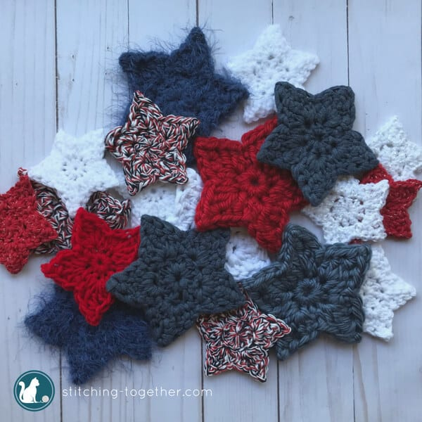 Use this simple crochet star pattern to make these adorable little crochet stars. They are a perfect scrap yarn project! Great to use for decorating for the 4th of July or Christmas!