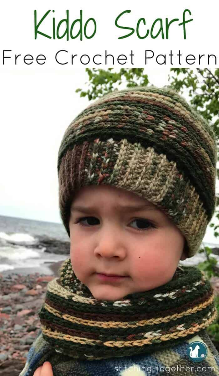 Easy Infinity scarf free crochet pattern perfect for a toddler or young kid. The varigated yarn makes the pattern stand out and makes it easily custimizable for a boy or a girl.