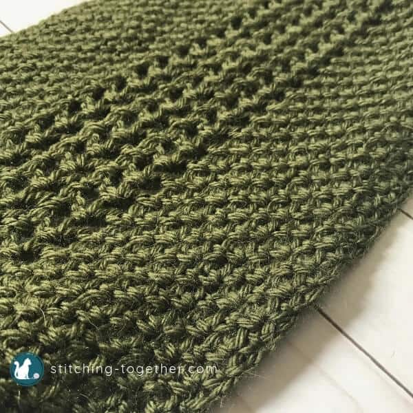 Green Crochet scarf close up