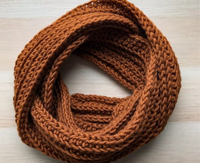 crochet mens scarf in circle