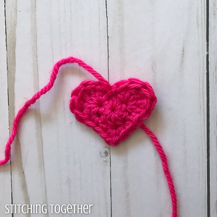 small crochet heart that with yarn ends