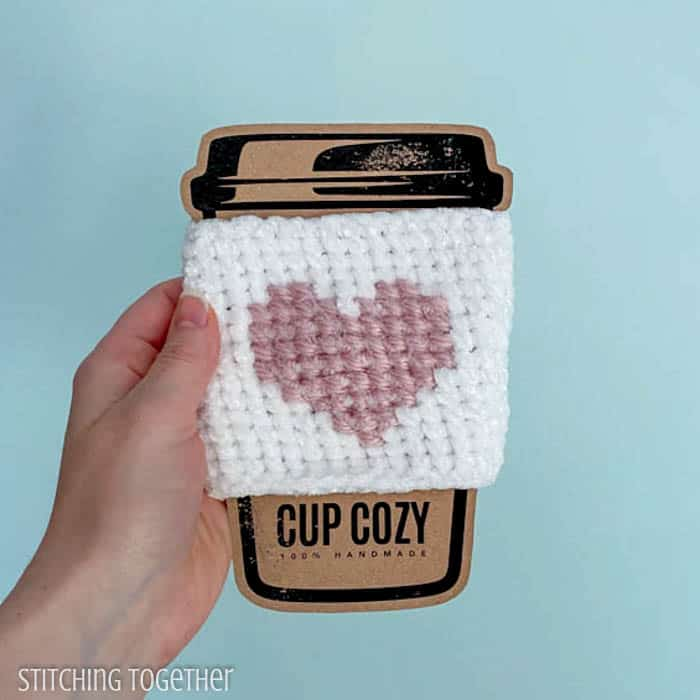 crochet to go cup cozy with pink heart