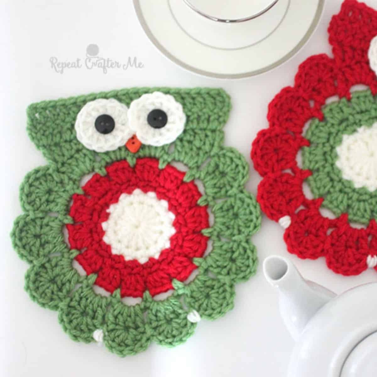 adorable crochet Christmas owl coasters